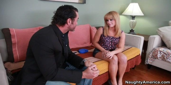 Elizabeth Bentley Having A Sizzling Hardcore Sex With Married Man
