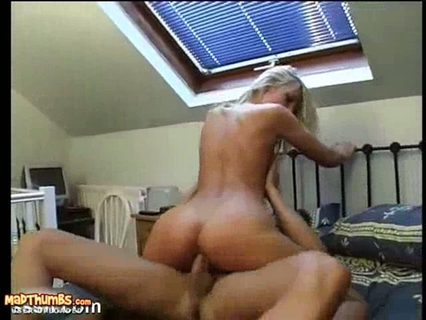 Blonde Girlfriend Having A Raunchy Hardcore Sex On Bed