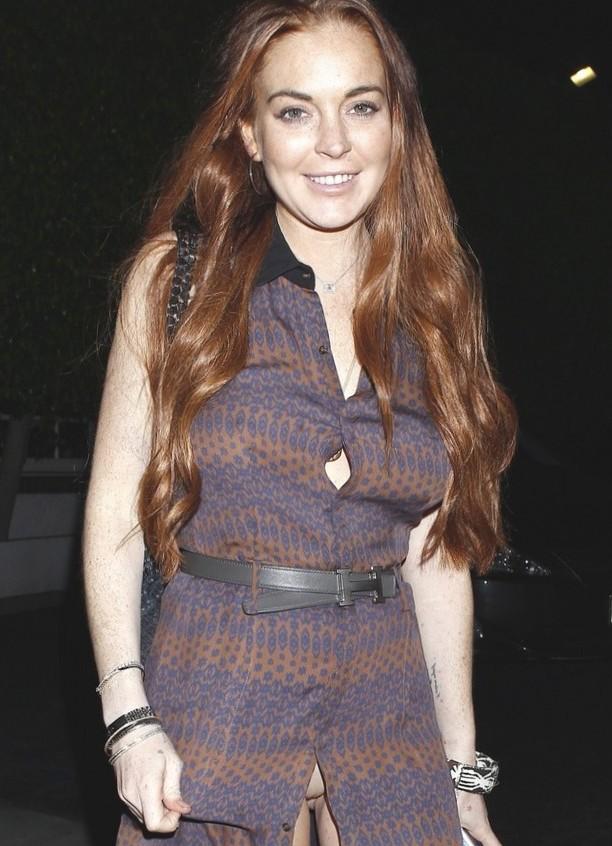 Lindsay Lohan Panty Flash