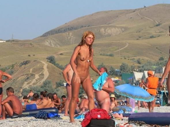 Fucking Beach – Masturbate Girls On The Beach