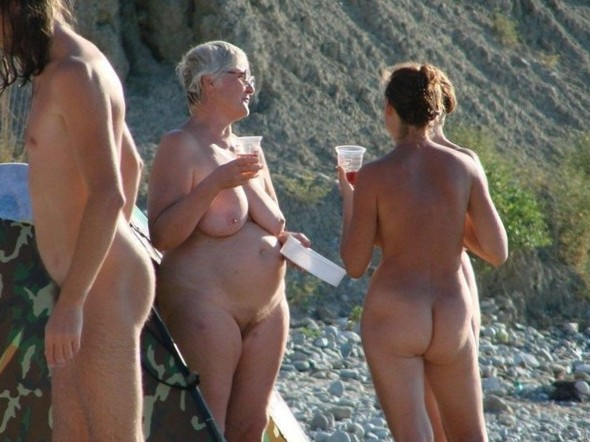 Nude and Beach – Caught Naked Beach